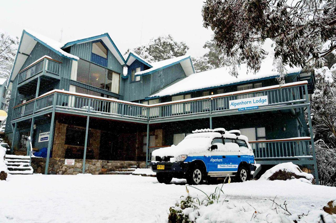 alpenhorn_thredbo_exterior_snowing